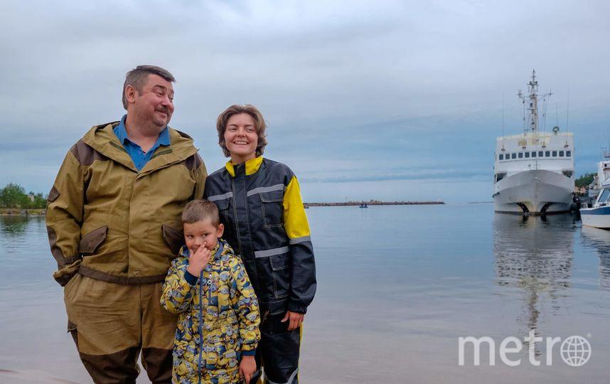 "Михаил, Екатерина и их пятилетний сын Семён. Фото Алена Бобрович, ""Metro"""