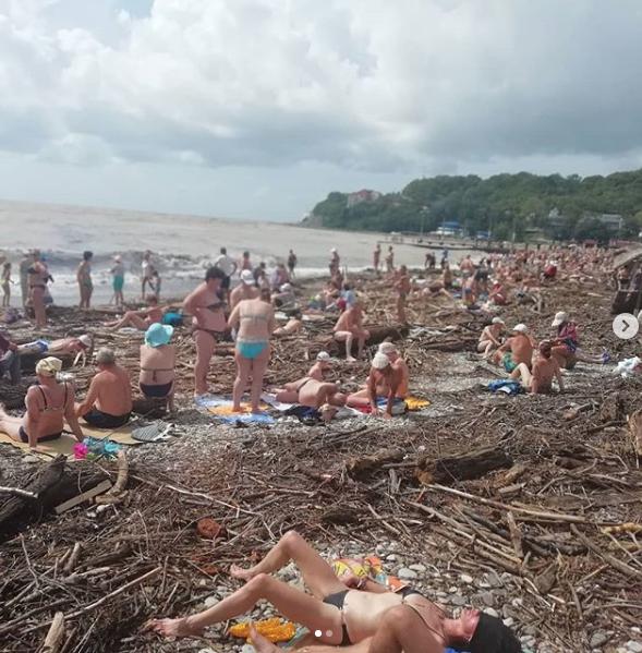 Фото пляжа в Архипо-Осиповке делятся отдыхающие. Фото https://www.instagram.com/grinko.sveta/