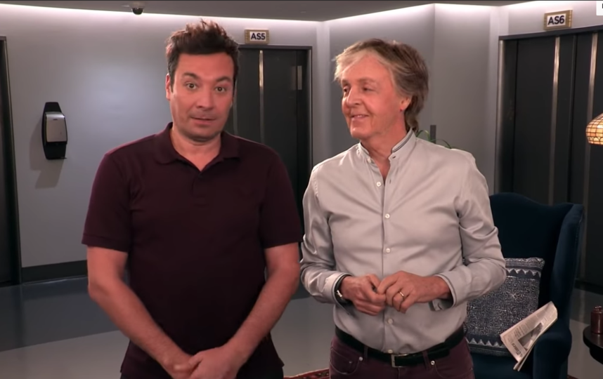 Пол Маккартни и Джимми Фэллон разыграли посетителей экскурсии по студии телеканала NBC. Фото Канал  The Tonight Show Starring Jimmy Fallon., Скриншот Youtube