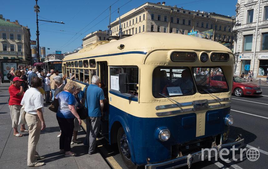"""Экскурсия на «политехническом троллейбусе». Фото Святослав Акимов, """"Metro"""""""