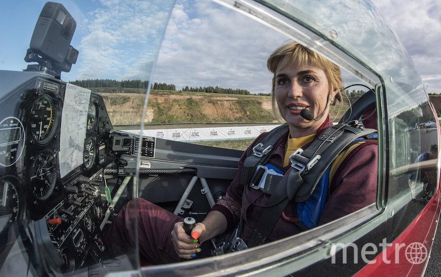 Шоу Капаниной в рамках Red Bull Air Race в Казани зрители встретили с восторгом. По словам Светланы, в прошлом ей предлагали участвовать в этих соревнованиях, но она выбрала классику. Фото redbullcontentpool.com