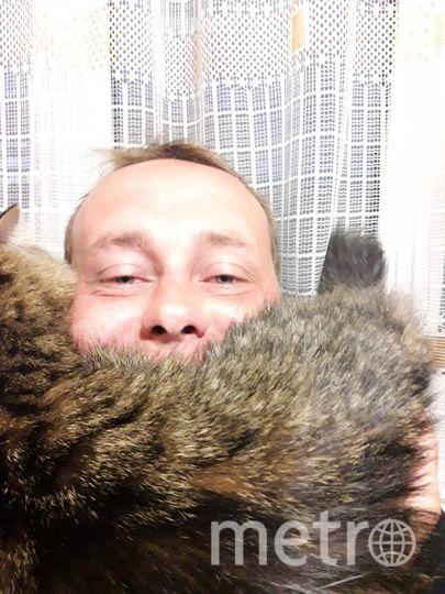 """Андрей Федотов и Кошка Боня. Фото Федотова Инга --, """"Metro"""""""