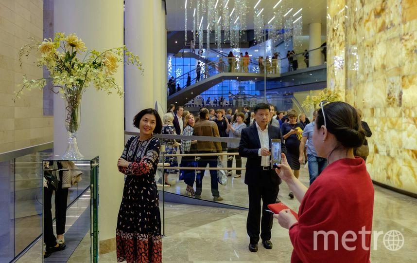 """Китайские зрители в Мариинке. Фото Алена Бобрович, """"Metro"""""""