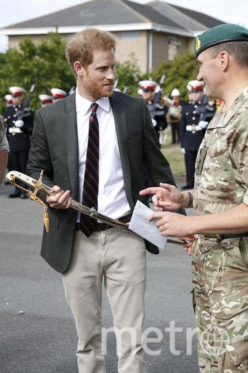 Принц Гарри во время визита в Лимпстоун. Фото Getty