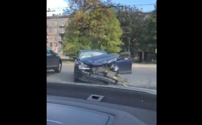 Четыре ребенка госпитализированы после ДТП на севере Петербурга. Фото скриншот видео vk.com/spb_today