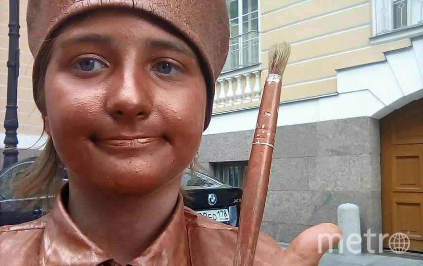 """Диана Савенкова работала """"живой статуей"""". Фото Предоставлено семьей."""