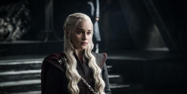 """Эмилия Кларк (Дейенерис Таргариен), кадр из сериала """"Игра престолов""""."""