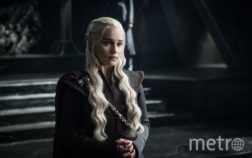"Эмилия Кларк (Дейенерис Таргариен), кадр из сериала ""Игра престолов"". Фото HBO, kinopoisk.ru"