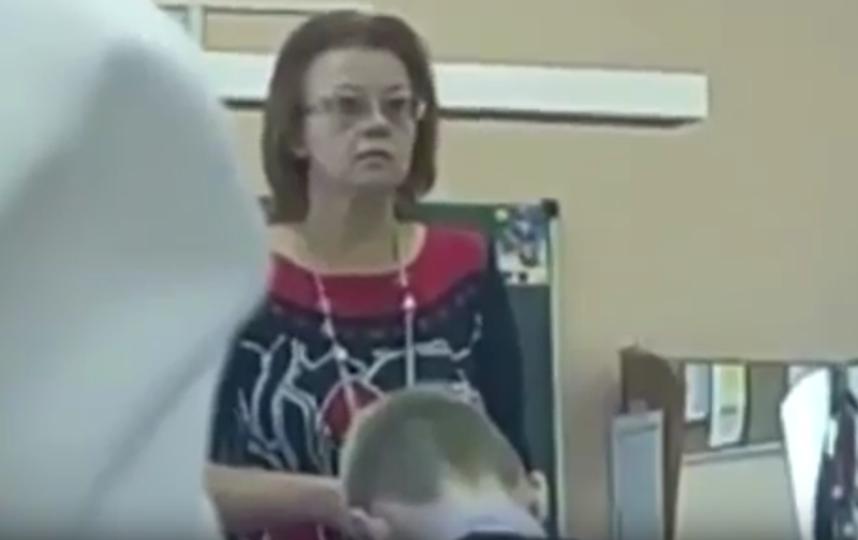 Учитель музыки кричит на учащихся 6-го класса одной из школы Пушкинского района. Фото Все - скриншот YouTube