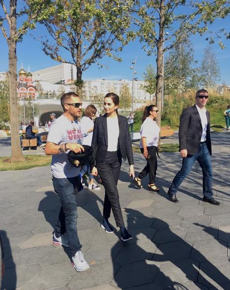 """Том Харди в парке """"Зарядье"""". Фото скриншот Instagram andriy_sem"""