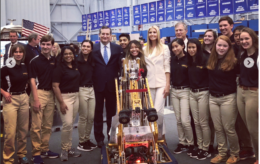 Иванка Трамп посетила космический центр. Фото instagram.com/ivankatrump
