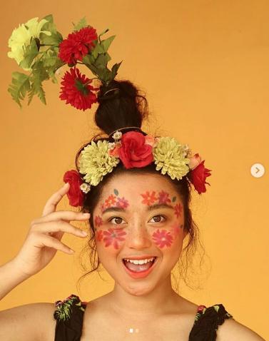 #FlowerVaseHair. Фото Instagram/malisaabc