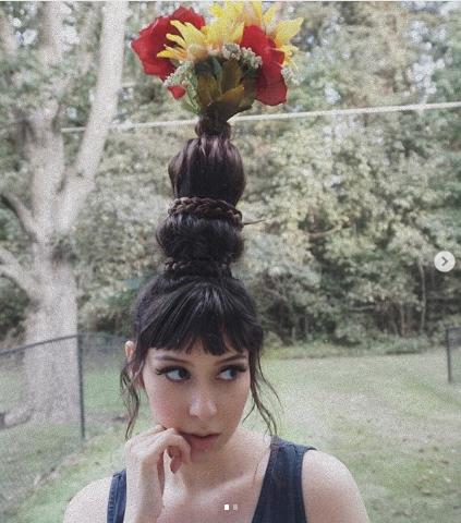#FlowerVaseHair. Фото Instagram/rottenmar