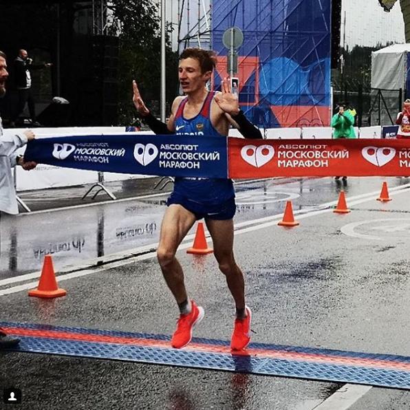 Победитель марафона - Степан Киселёв. Фото Скриншот Instagram @stepan_kiselev_run.