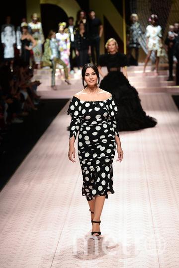 Актриса Моника Беллуччи на показе Dolce&Gabbana. Фото AFP