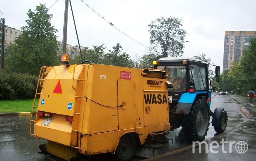 С улиц Петербурга вывезли около 3 тонн мусора за неделю. Фото предоставлено пресс-службой Комитета по благоустройству.