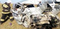 Пятерых доставали из помятого авто: в Крыму произошло смертельное ДТП (видео)