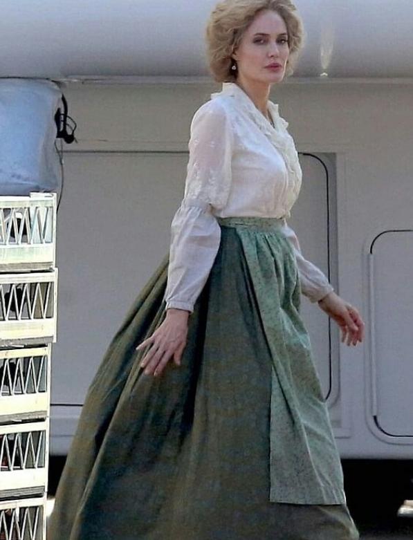 Анджелина Джоли сменила имидж. Фото скриншот www.instagram.com/celebrities1news/