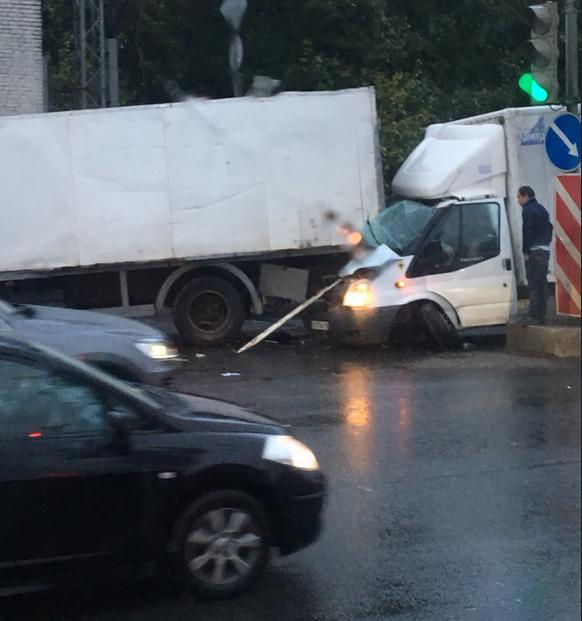 ДТП на Митрофаньевском шоссе. Фото https://vk.com/spb_today