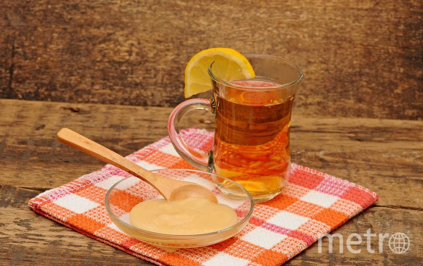 Горячий чай с лимоном. Фото pressfoto