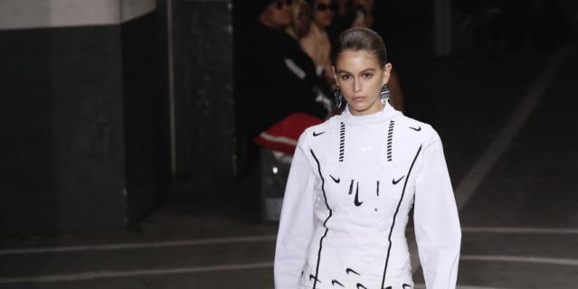 Показ Off-White на Неделе моды в Париже.