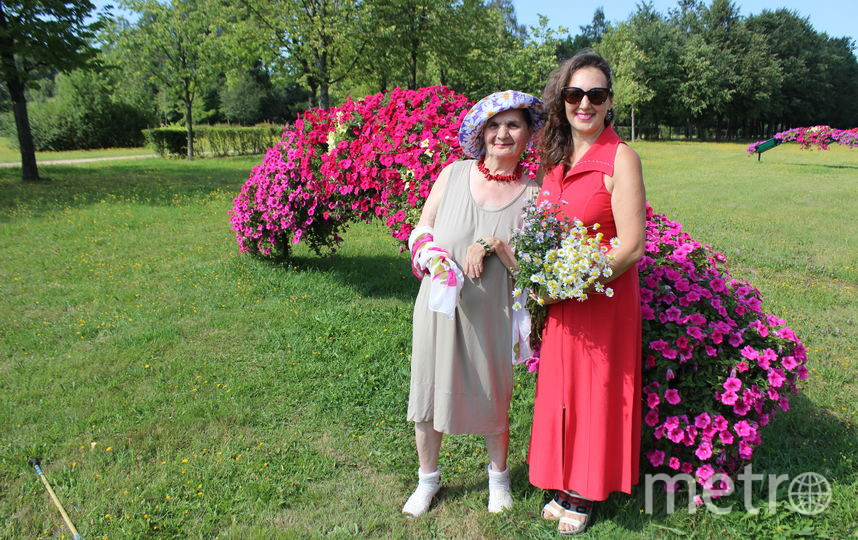 """Своё лето я провела по разному, но самое главное вместе с мамой! Моя мама Евгения Дмитриевна, пенсионерка и ей 77 лет, она длительное время была недееспособна, да и находилась далеко от меня, в Тюменской области, и за три года ни разу не надела летнего платья.. Фото Светлана Грекова, """"Metro"""""""