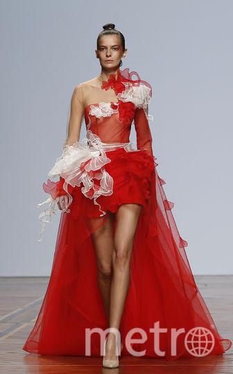 Шоу Юдашкина на Неделе моды в Париже. Фото Getty