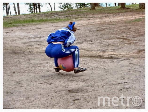 """В погоне за удачей! (спортивные состязания на дне рождения фирмы). Фото Юрий Медведев, """"Metro"""""""