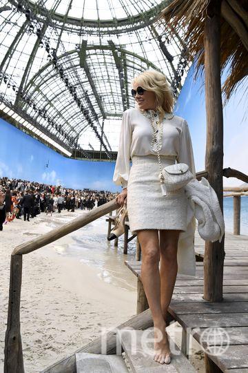 Памела Андерсон на показе Chanel на Неделе моды в Париже. Фото AFP