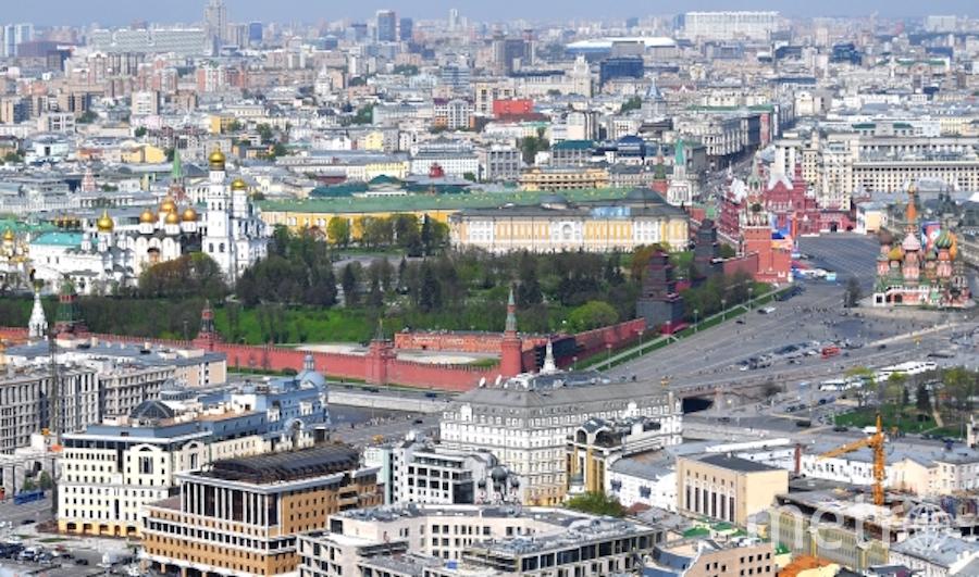 Вид на площадь Васильевский спуск в Москве. Фото РИА Новости