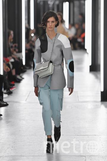 Показ Louis Vuitton на Неделе моды в Париже. Фото Getty