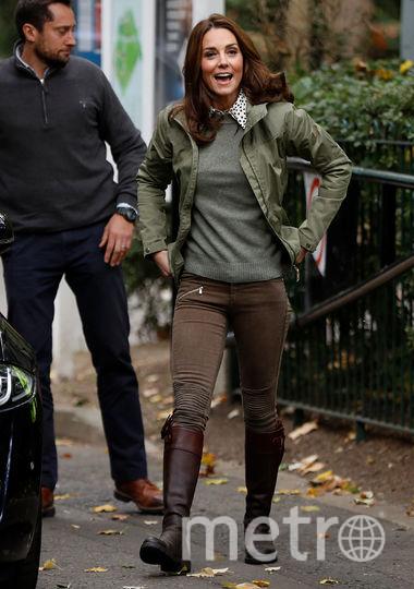 Выгодное вложение: Кейт купила сапоги стоимостью 475 фунтов 14 лет назад. И носит их до сих пор! На фото: октябрь 2018, Кейт в лондонской школе.Выгодное вложение: Кейт купила сапоги стоимостью 475 фунтов 14 лет назад. Фото Getty