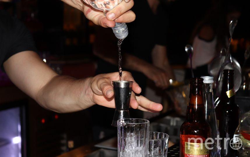 Сейчас МРЦ бутылки водки объёмом 0,5 л составляет 205 рублей, 0,5 л коньяка - 371 рубль, 0,75 шампанского - 164 рубля. Фото Pixabay