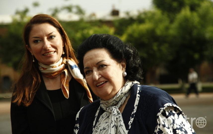Монтсеррат Кабалье с дочерью. Фото Getty
