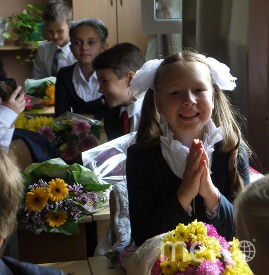 "Наконец-то школа!!! после трех месяцев у бабушки в деревне. Моя дочь Маша. Фото Абдюшев Эдуард Васильевич, ""Metro"""
