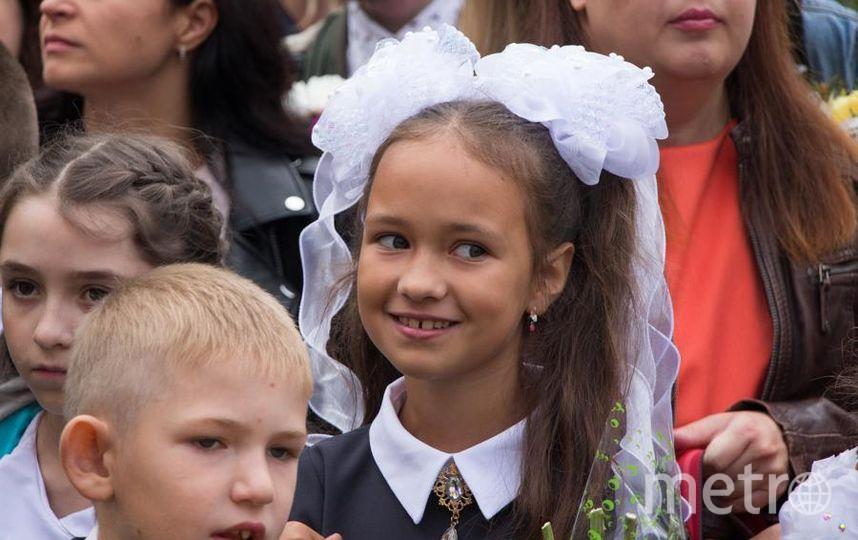"""Моя дочь Снегирева Алёна, взгляд загадочный,что-то задумала. Фото Ломага Марина Геннадьевна, """"Metro"""""""