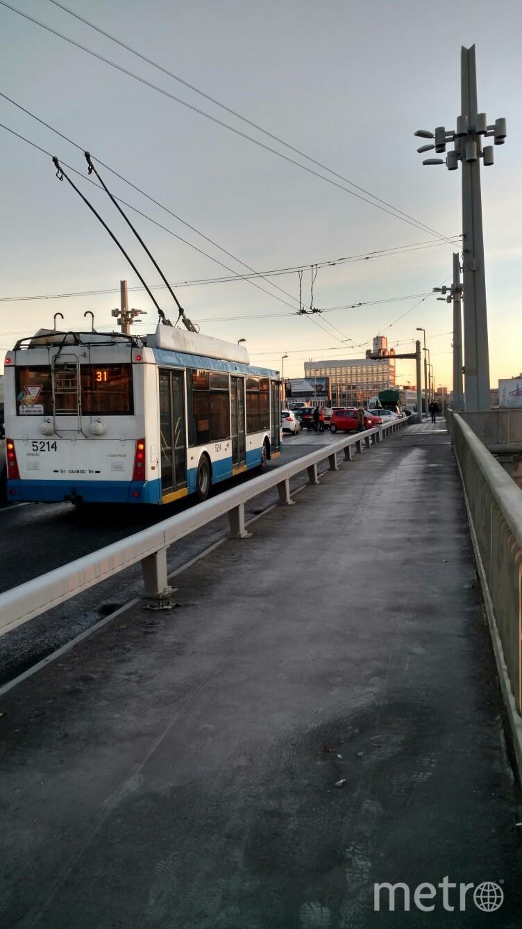 ДТП на Кантемировском мосту. Фото ДТП и ЧП | Санкт-Петербург | Питер Онлайн | СПб, vk.com