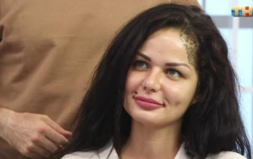 Кристина в процессе преображения. Фото tnt-online.ru