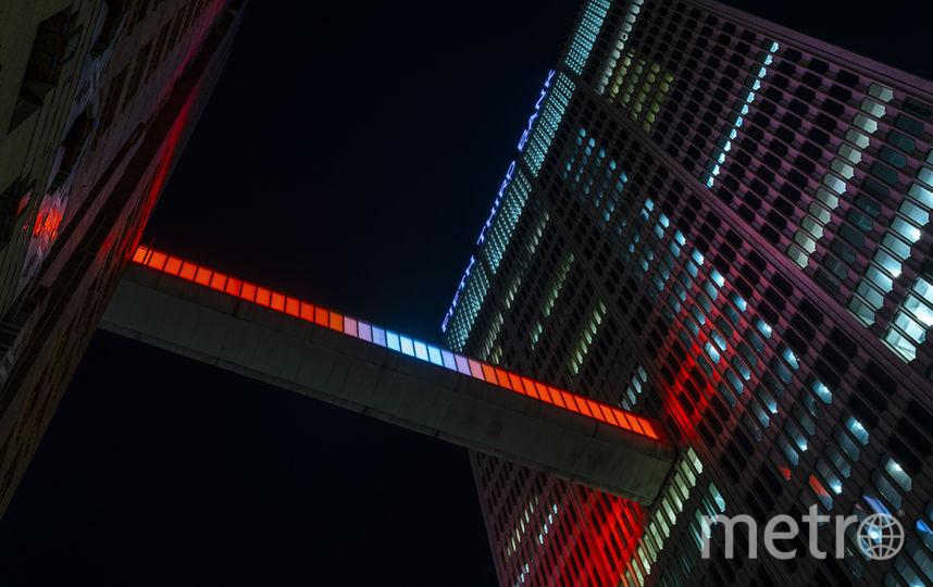 """Настоящее произведение искусства. Фото Phillip K. Smith III, """"Metro"""""""