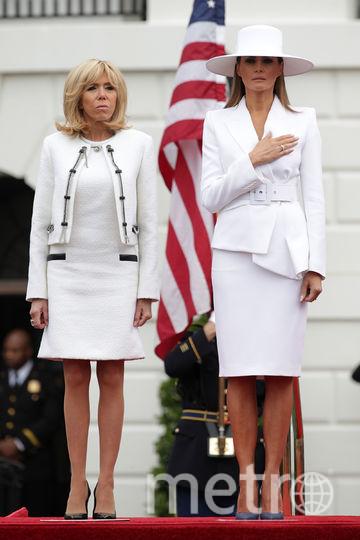 Если юбка, то короткая. Брижит Макрон предпочитает мини. И плевать на возраст. Фото Getty