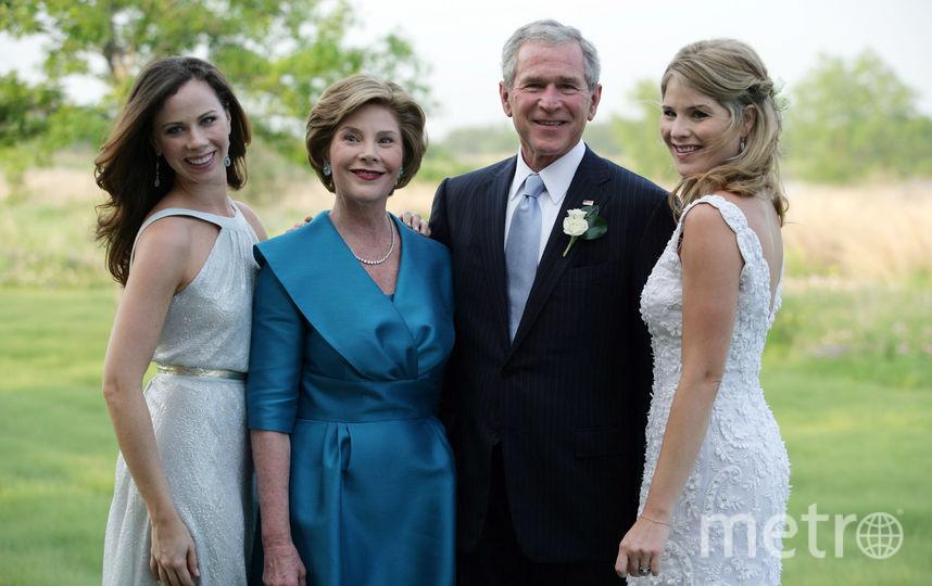 архивные фото. Джордж Буш младший и его семья. Фото Getty