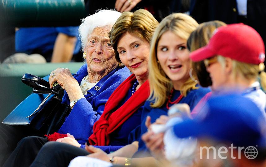 архивные фото. Барбара Буш слева, мать Джорджа Буша-младшего. Фото Getty
