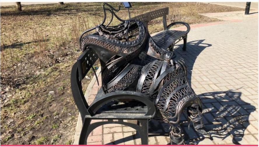 Вандалы повредили скульптуру. Фото пресс-служба ЛОЭСК