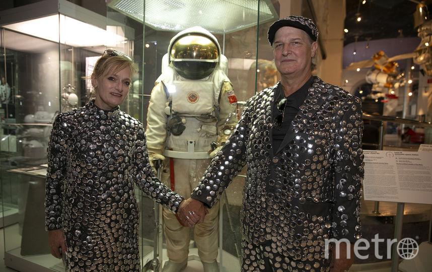 Американские художники пообщались с москвичами и обсудили с ними Марс. Фото Василий Кузьмичёнок
