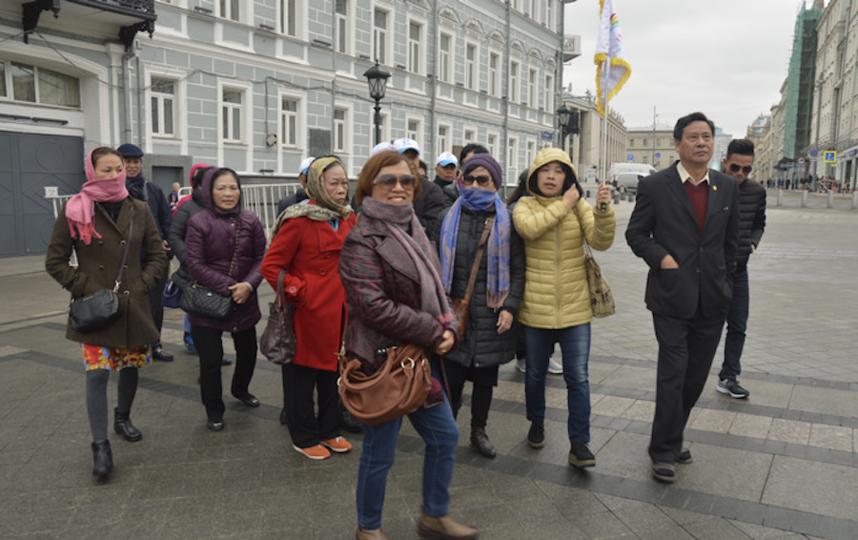 "Туристы из Азии в Москве. Фото Алина Данг, ""Metro"""