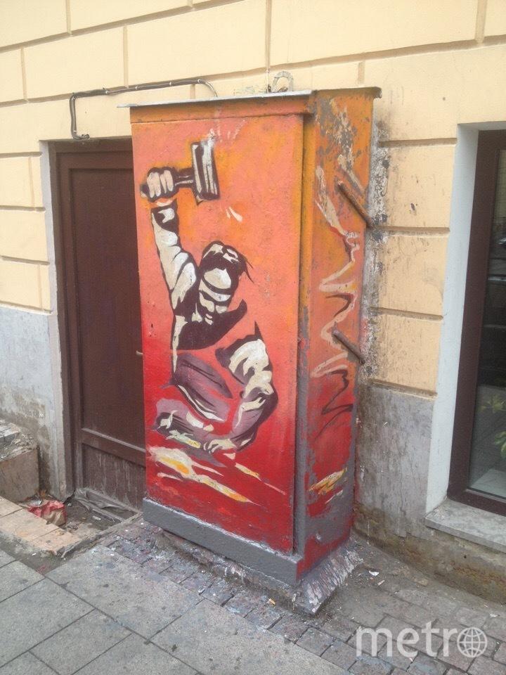 """Петербургский """"кузнец"""" отбил атаку коммунальщиков. Фото mytndvor, vk.com, vk.com"""