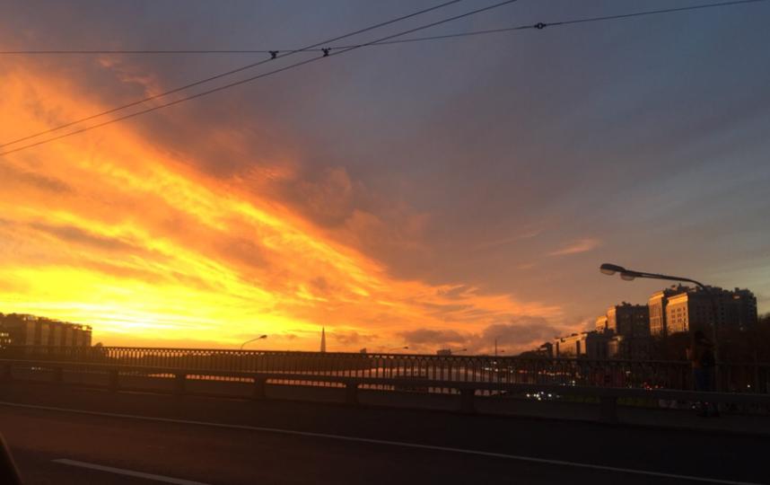 В Петербурге встретили красивый закат. Фото https://vk.com/spb_today