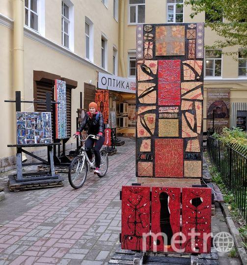 """По словам автора эмалей, его выставку каждый день посещают сотни человек. Фото Алена Бобрович, """"Metro"""""""