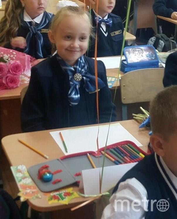 """В этом году моя внучечка Тенешева Валерия Рустамовна, пошла первый раз в первый класс! Отсылаю Вам фото моей любимки. Фото Мария Горячёва, """"Metro"""""""