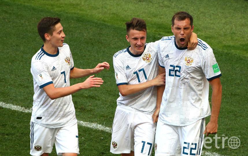 Артём Дзюба (справа) стал новым капитаном команды. Именно он забивал шведам в последнем матче россиян против этой сборной. Фото Getty